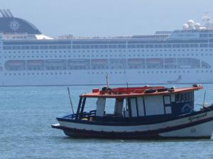 Secretaria de Turismo convoca agências de turismo.