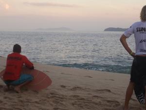 Atleta de Ubatuba é vice campeão no Mundial de Skimboard na Praia da Sununga.