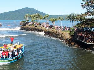 92ª Festa de São Pedro Pescador mantém viva as tradições caiçaras.