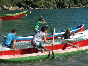 Festa Caiçara agita a Vila de Picinguaba no norte de Ubatuba