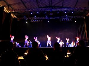 Dança Ubatuba termina em noite épica no Centro de Convenções