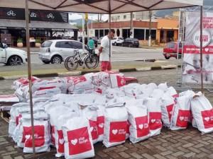 Desafio 28 Praias arrecada 1500 quilos de alimento em Ação Social