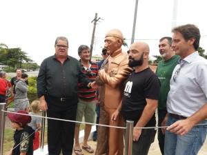 Inaguguração-estatua-Custeau