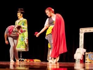 """Confraria da Dança apresenta o espetáculo """"Mirabolante"""" no Teatro Municipal"""