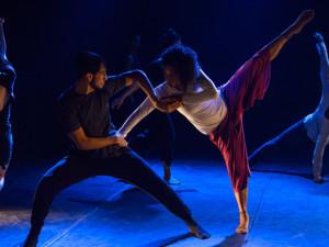 Felicidade é tema de espetáculo no Teatro Municipal de Ubatuba